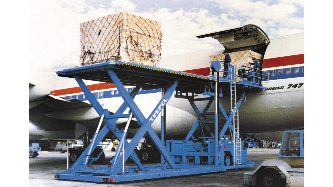 Champ 300 Pallet Container Loader Aviationpros Com