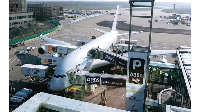 A380 Boarding Bridge Aviationpros Com