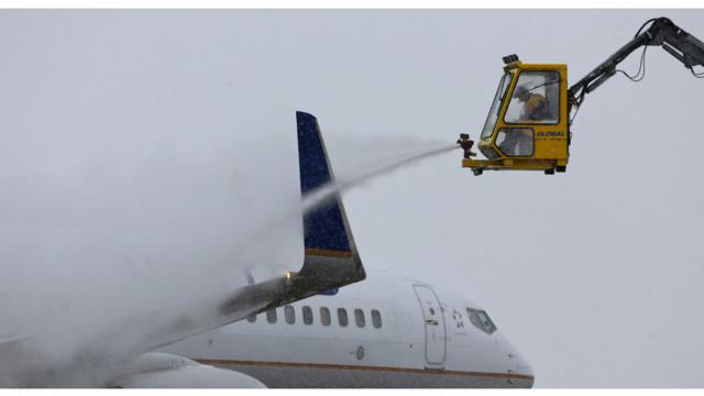 Planes Undergo New Deicing System At Denver International Airport