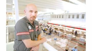 Delta Fires Longtime Baggage Handler, Labor Activist Kip Hedges