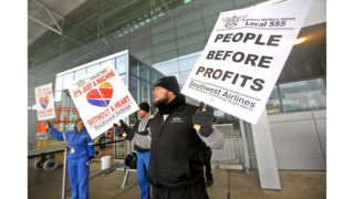 Southwest Baggage Handlers Picket Over Flight Delays