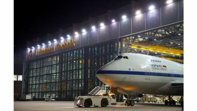 Hand-over of Boeing 747 SOFIA Flying Telescope