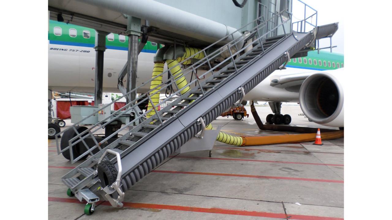 Page Baggage Chute P6000 Aviationpros Com