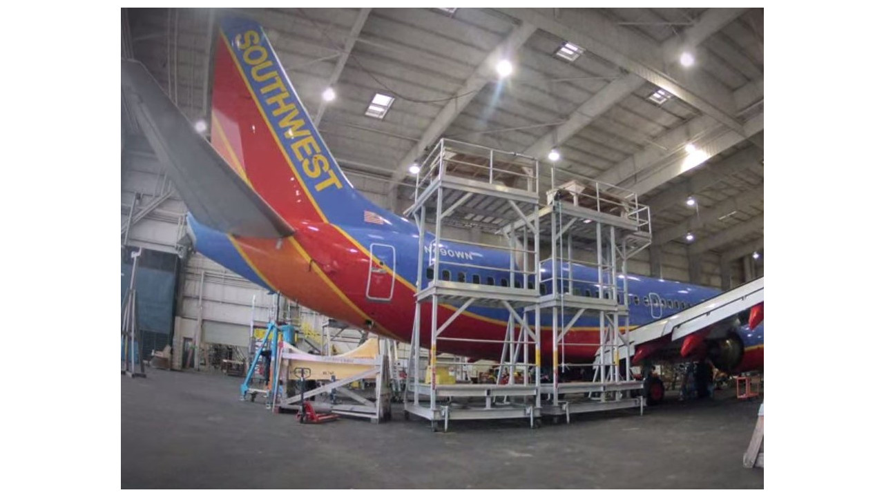 Time lapse video shows how southwest installs wifi on planes for Southwest airlines free wifi