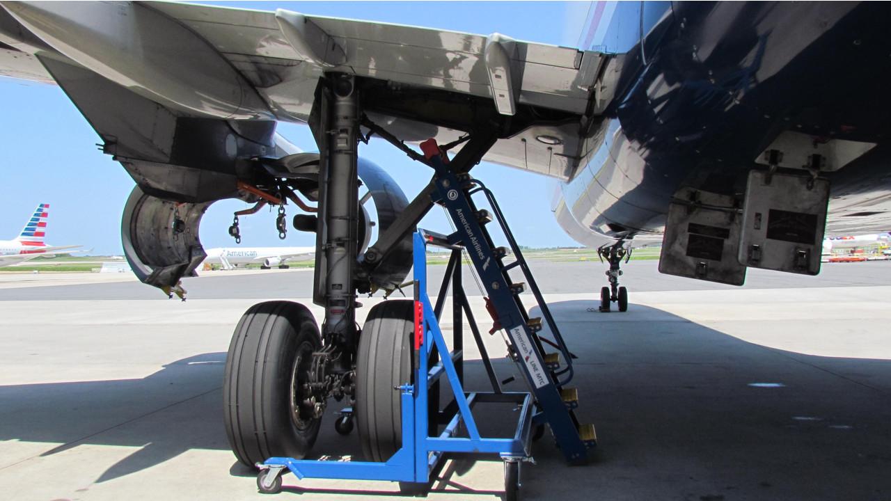 Landing Gear Access Stand Aviationpros Com