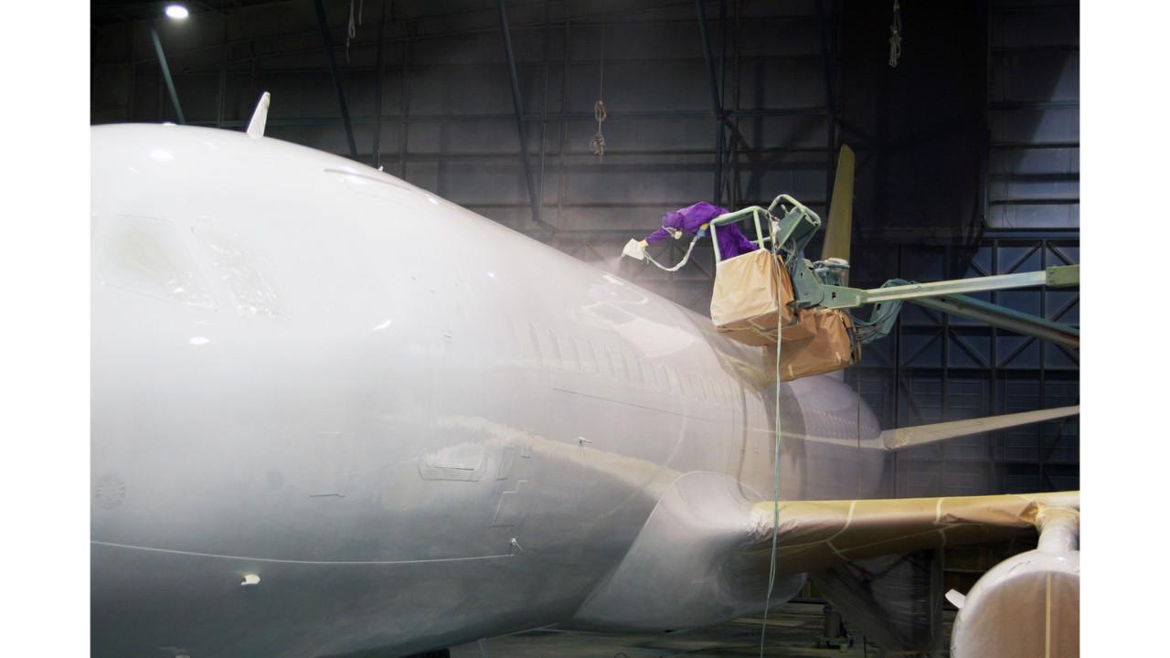 Aircraft Hangar Ventilation : Magnetic mro opens painting hangar aviationpros