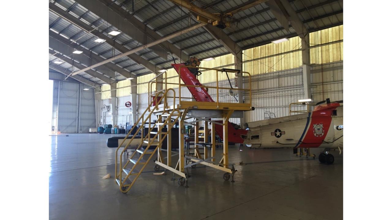 Custom Expo Stands : Mh jayhawk maintenance stands and hangar equipment