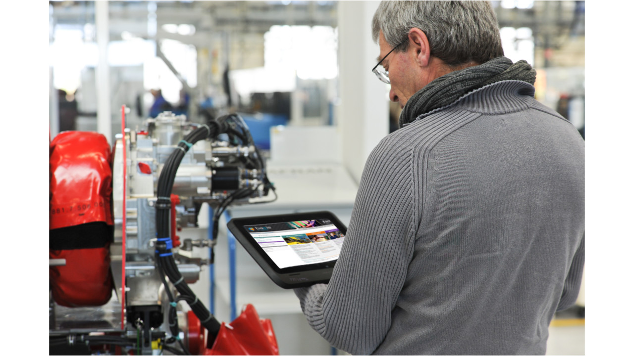 New online engine maintenance management service boost for Bertrand remy