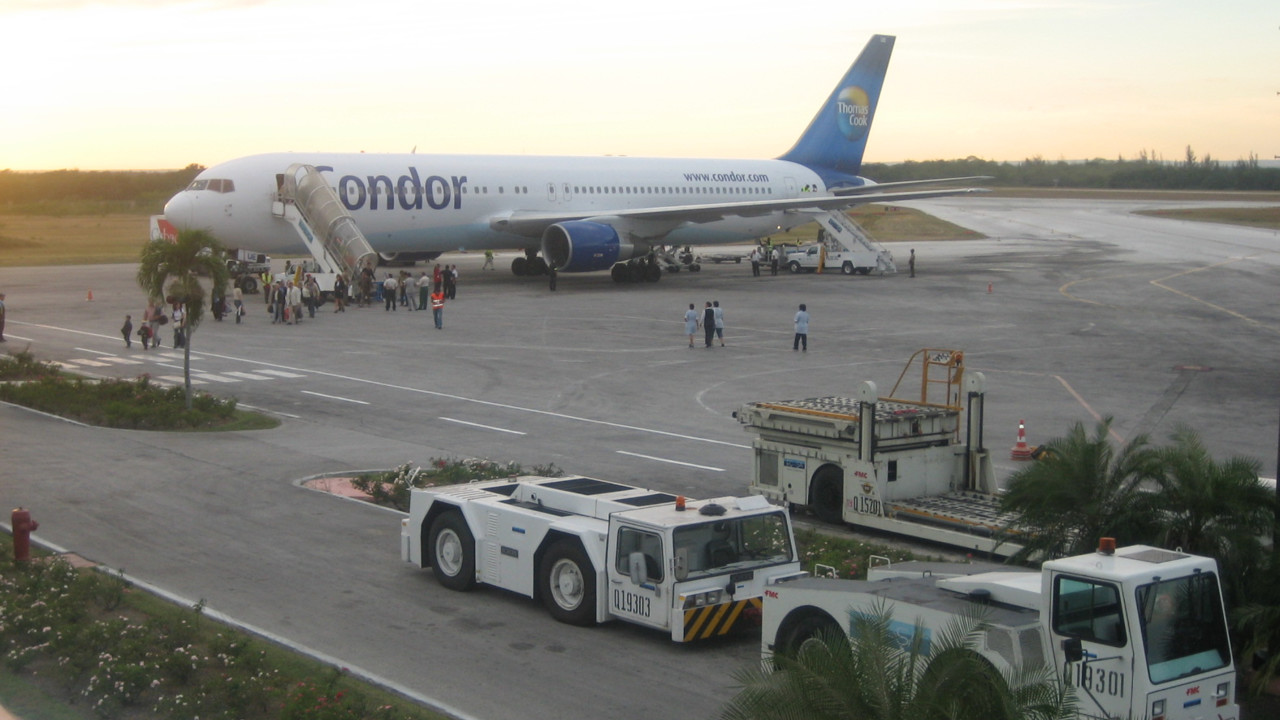 Six U S Airlines Cleared To Provide Passenger Service To Cuba