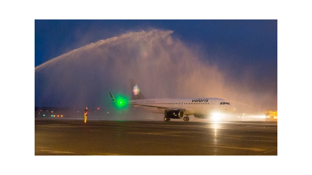 Port of seattle celebrates volaris airlines first sea tac flight sciox Gallery