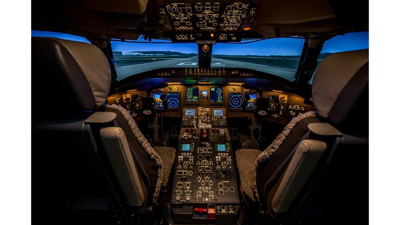 Tru S Bombardier Crj 900 Full Flight Simulator Earns