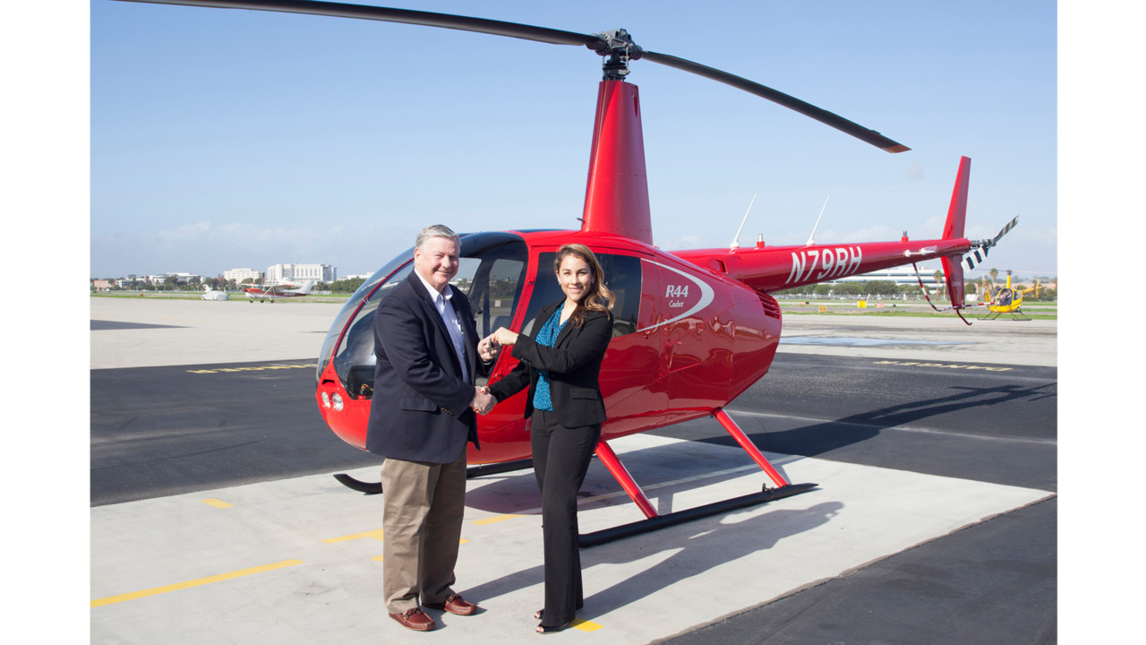 robinson helicopters with University Of North Dakota Adds Robinson R44 Cadet Trainer on Mag Luxury Cabin Bell 429 Receives Russian Stc likewise Robinson R22 08 in addition 8772117780 also Ec130 T2 further File AS350 Belly.