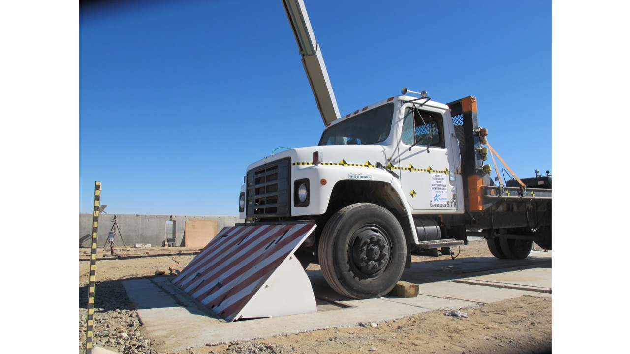 Barricade Vehicle Tractors : Vehicle access control barrier aviationpros