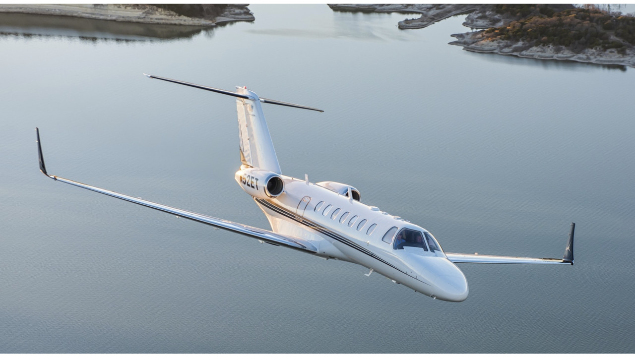 All Kinds Of Aircraft From Jets To Prop Planes Make Home At Silverwing