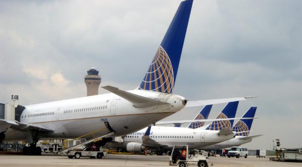 United To Outsource Cargo Work At IAH