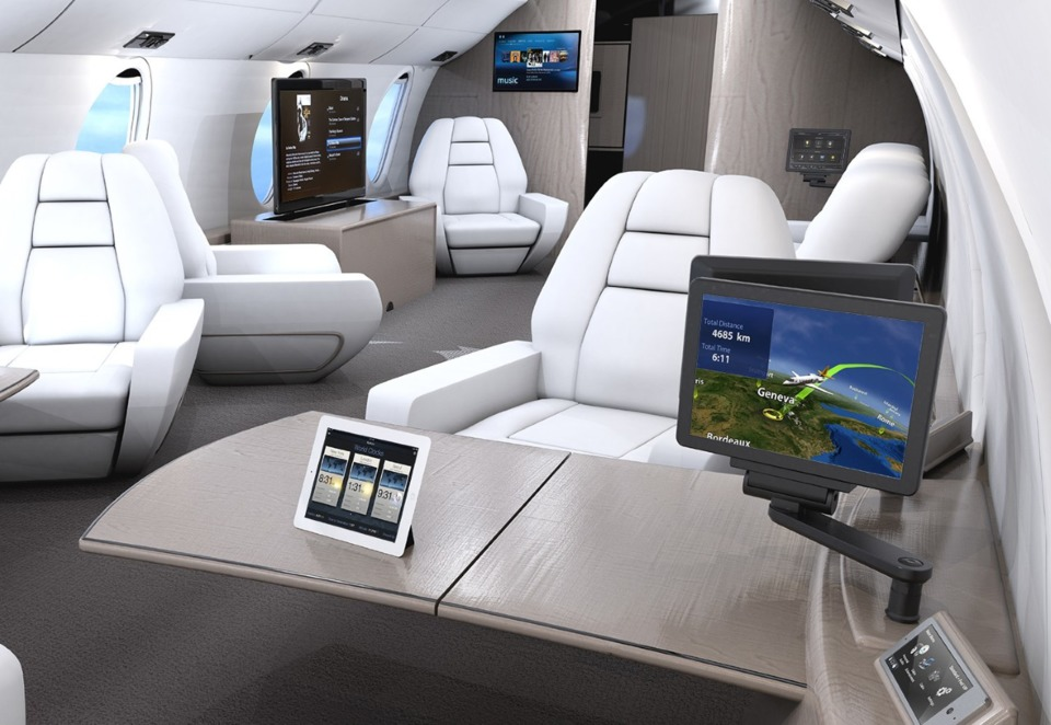 Rockwell Collins And Amac Aerospace Complete First Ces To