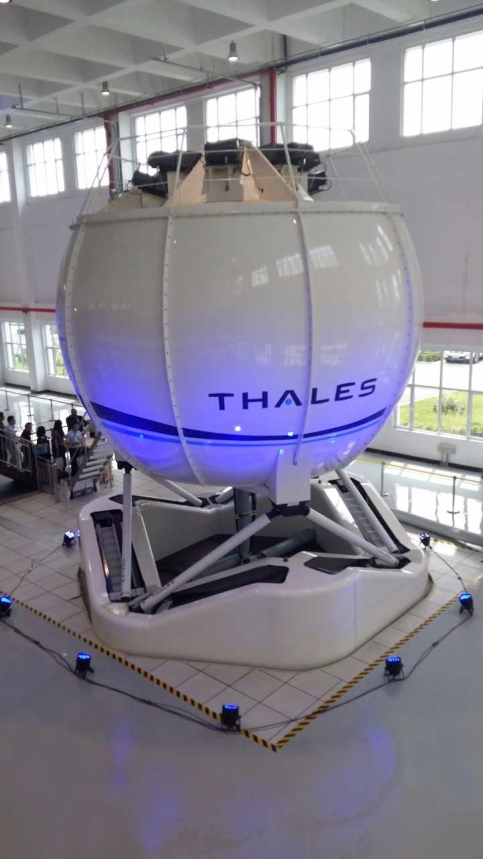Thales delivers first Level D qualified Full Flight
