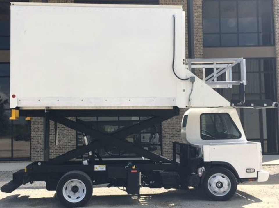 Smith Transportation Equipment Mh 10x12 High Lift In Catering