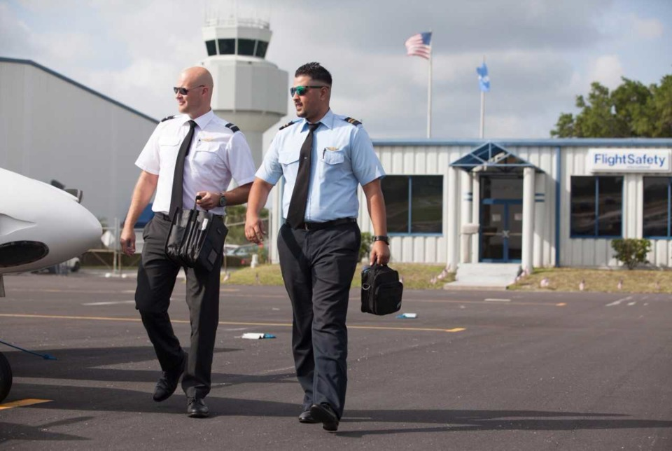 FlightSafety expands its long-term agreement with Envoy Air as a