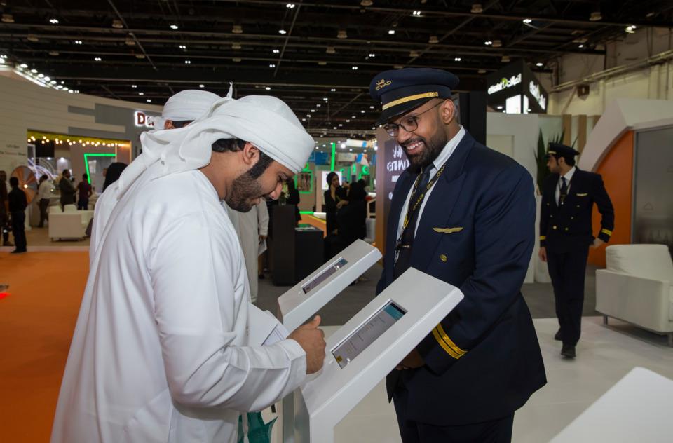 Etihad Aviation Group Promotes Career Programmes at UAE