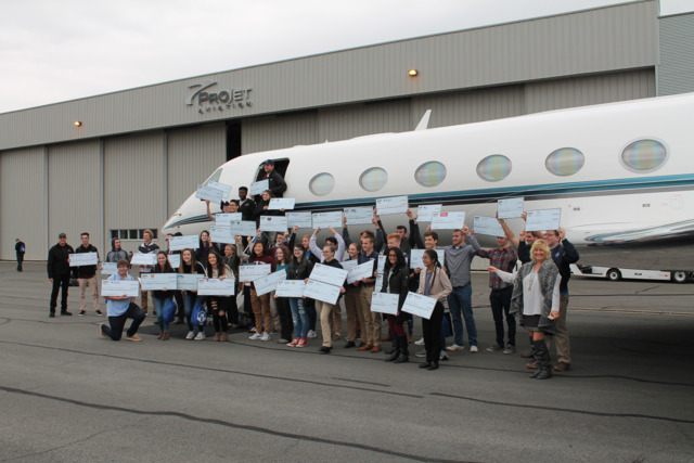 Paramount Business Jets Supports Scholarship Opportunities to