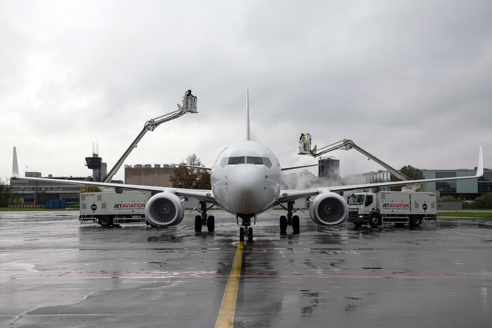 Jet Aviation Launches Deicing Service at Zurich FBO As It Ramps up for WEF - AviationPros.com