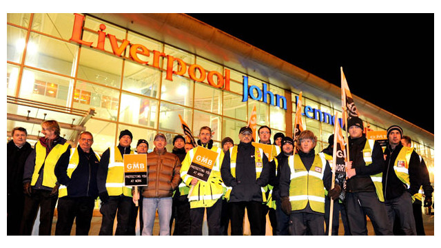 liverpool-john-lennon-airport-staff-protest-over-job-cuts-41429804.jpg