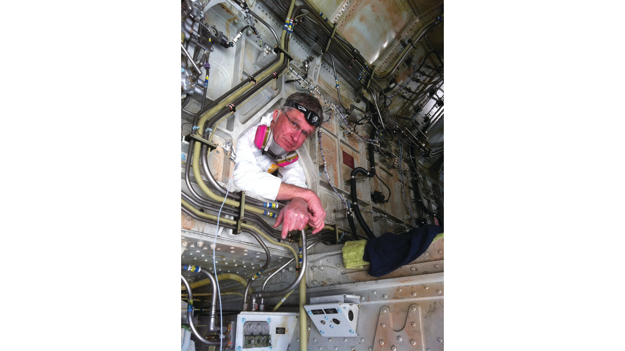 Finding And Fixing Fuel System Leaks Aviationpros Com