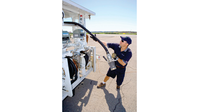 refuelingprocesstruckview_10662833.psd
