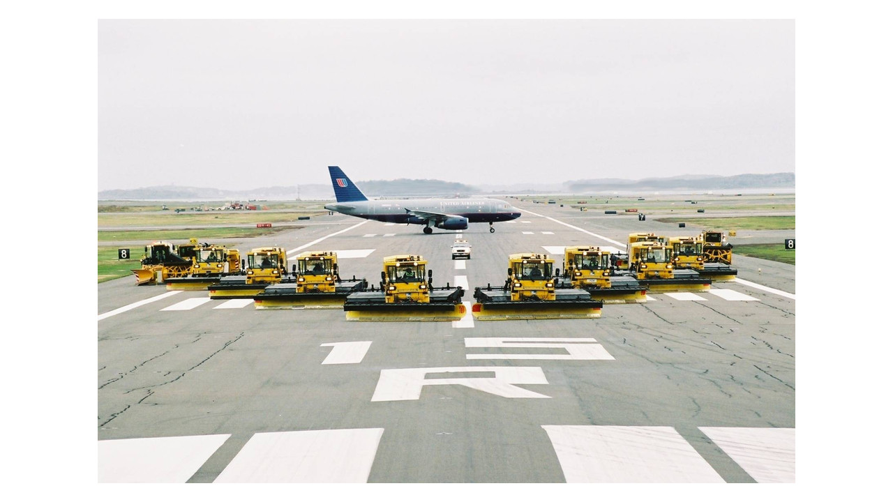 Multifuctional Airfield Equipment For Airports