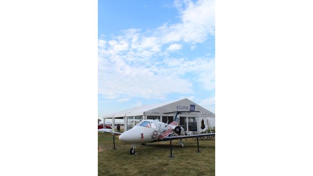 vac-jet1_10747980.jpg