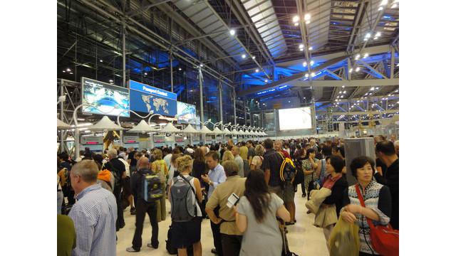 check-que-suvarnabhumi-airport_10780512.psd