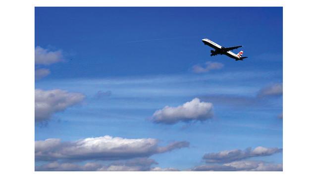 british-airways-taking-off-107_10861805.psd