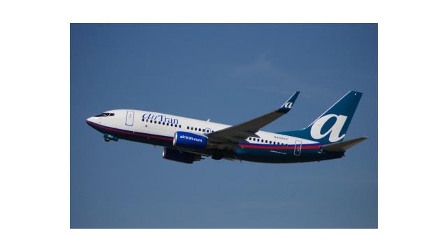 airtran-737-700-wl-n300at-04tko-fll-bdlr.jpg