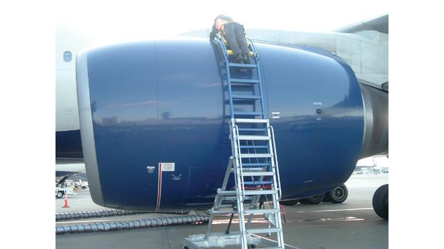 engine-access-stand-300dpi_10925054.psd