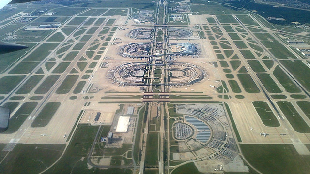 dfw-airport-from-north-800px.jpg
