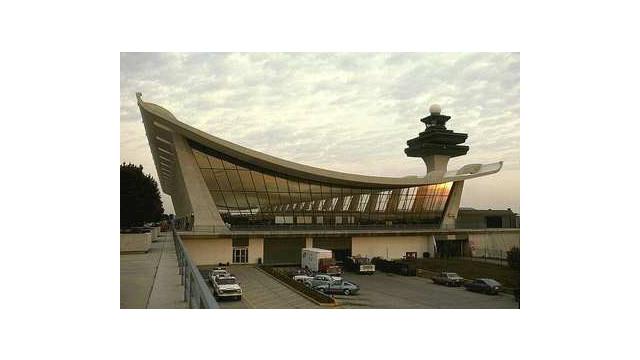 dulles-airport-terminal-0104-1a.jpg