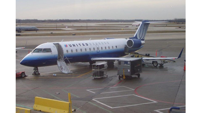 united-airlines-express-003.jpg