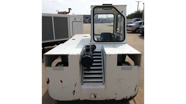 11-gse-eagle-tow-tractor-befor_11175690.psd