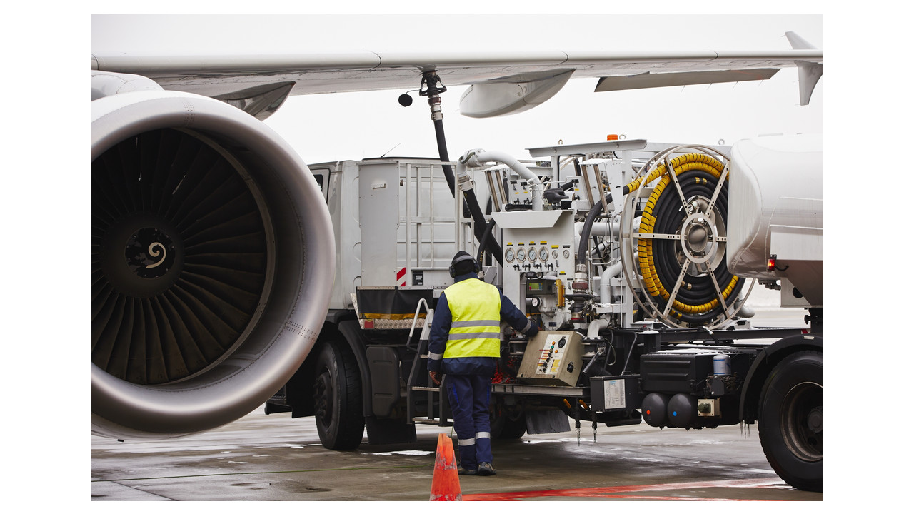 How To Conduct Safe Aircraft Refuel Servicing Operations Fuel Filters