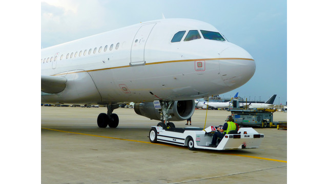 AP8950SDB-AL-200-towing-A319.jpg