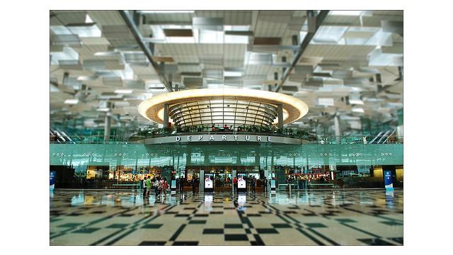 Changi-Airport-departures-Cyrstal-Jade-Restaurant-above.jpg