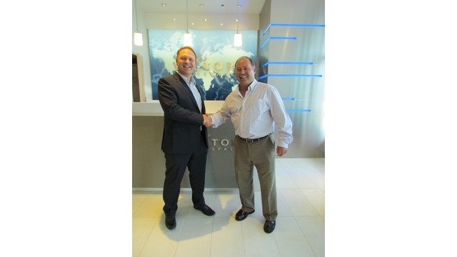 Toby-Gauld-President-Optima-Aero-and-Greg-Mant-Regional-Sales-Manager-Eastern-Canada-Vector-Aerospace-shake-hands-after-signing-agreement-.jpg