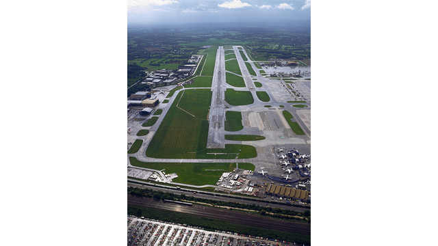The-runway-at-Gatwick-Airport.jpg