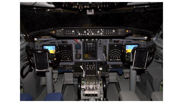 K66185AWACSmed.jpg