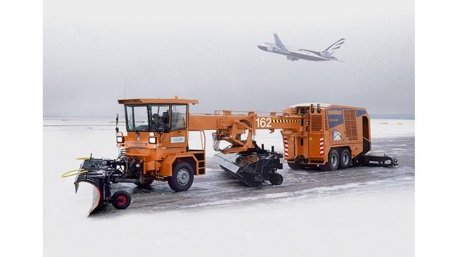 airportsnowremovalequipment_10133654.jpg