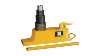Hand-carry axle jack