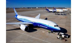 787 Dreamliner at Huntsville International Airport
