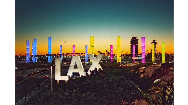 pylons-at-night-lax-sign-g-01_10780719.jpg