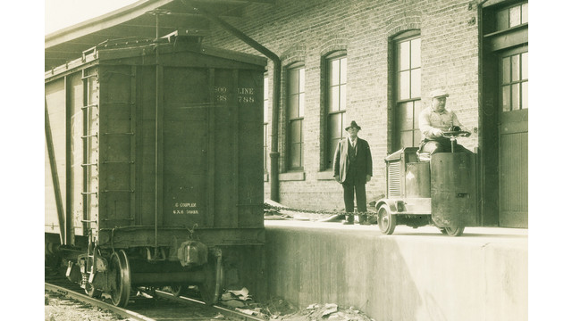 1923-duat-clark-forklift_10863296.psd
